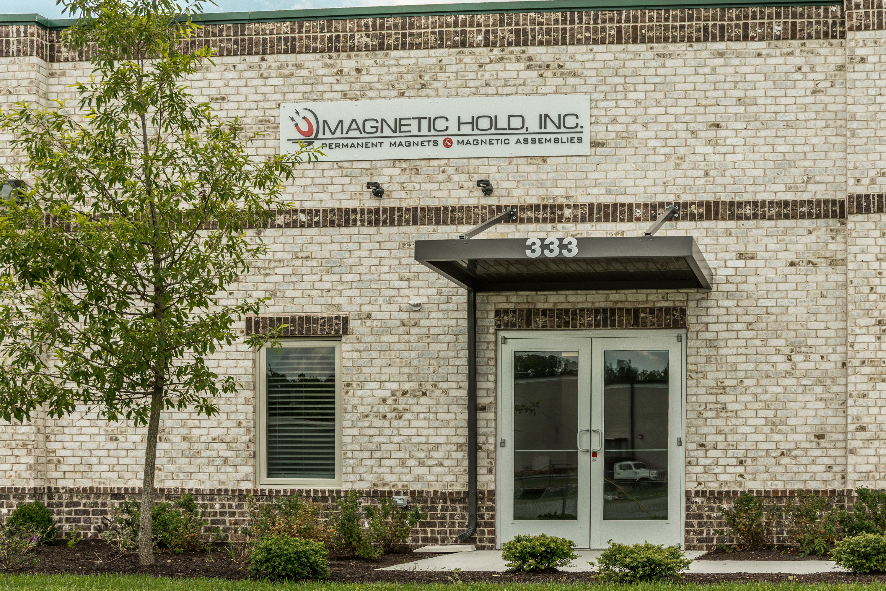 magnetic hold facility in rockland